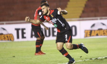 Bernardo Cuesta recibe el respaldo de hinchas después de que su padre confirmó su decisión de ir al fútbol tailandés