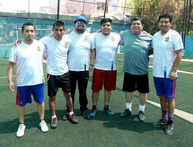 Sin Fronteras clasificó a cuartos pero perdió por penales.