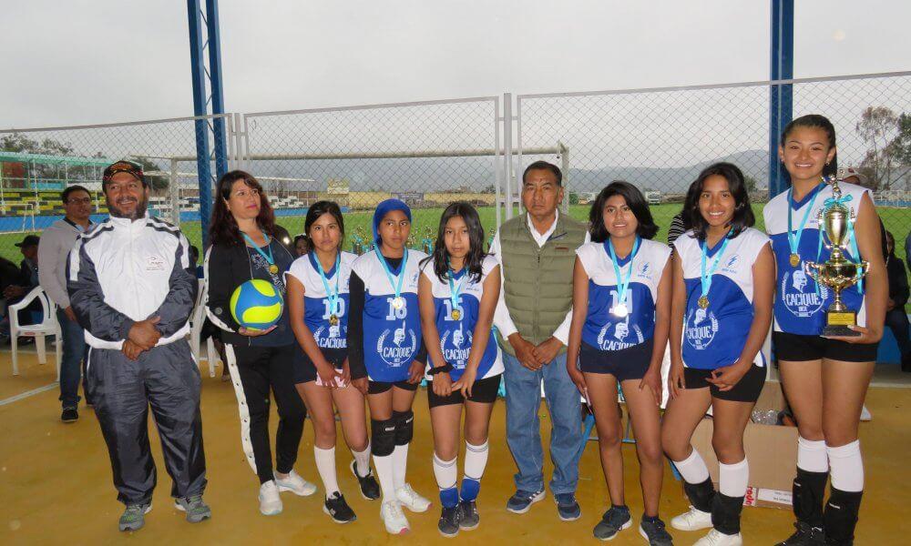 Rayo Azul logró el primer lugar en vóley menores.