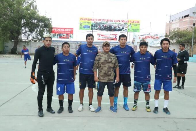 El elenco del Centro Odontológico Cideo antes del partido.