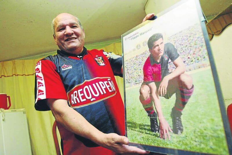 "LUJO. Patato Márquezjugó contra los legendarios Pelé, Garrincha, Yashin ""La araña negra"", Amadeo Carrizo, entre otros."